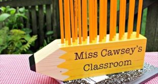 Pencil Shaped Pencil Holder- 10 DIY Wood Projects Ideas | DIY to Make #woodworki...